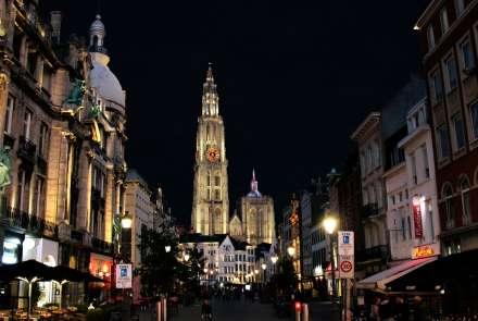 Nieuw lichtplan voor de kathedraal van Antwerpen