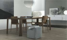 Suomi tafel & Lyl stoel