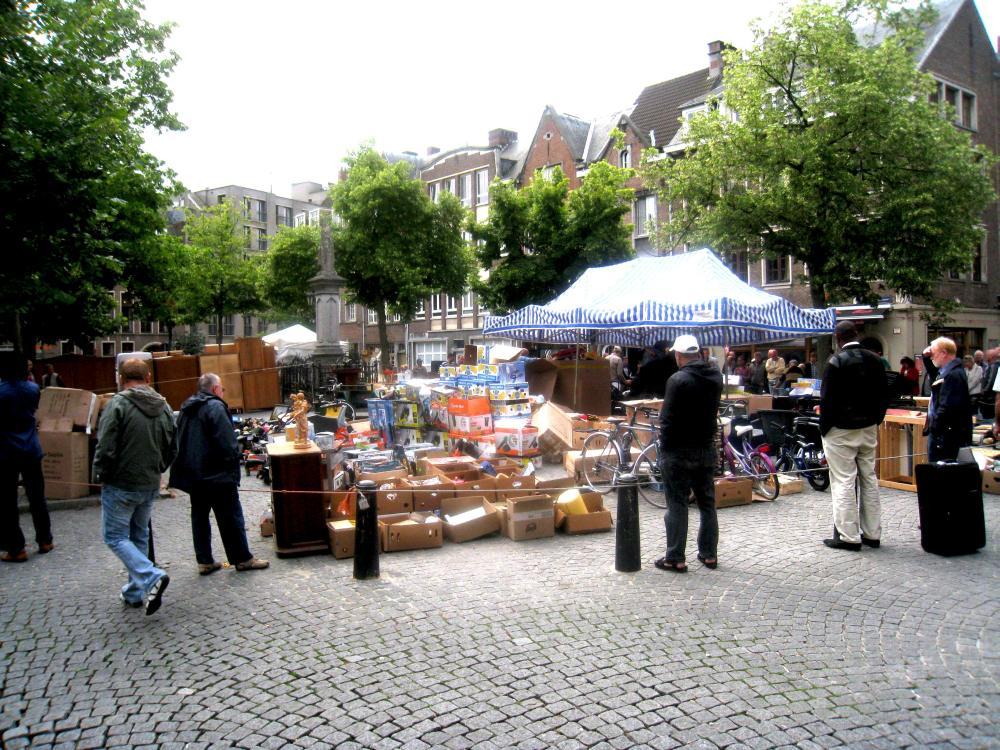 Vrijdagmarkt | Antwerpen: apen.be/vrijdagmarkt-rommelmarkt-antwerpen