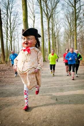 Reus Dolfijn op DVV Antwerp Marathon